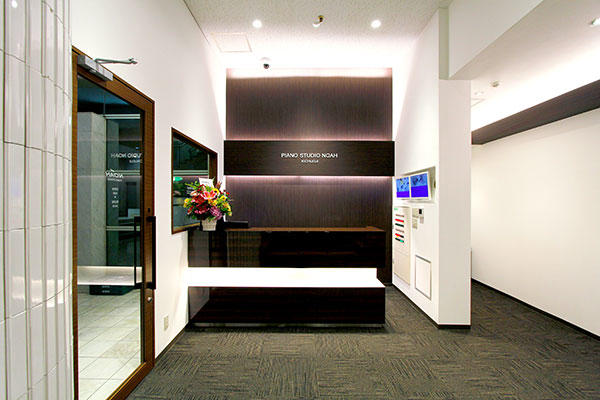kichijoji-piano-lobby-.jpg